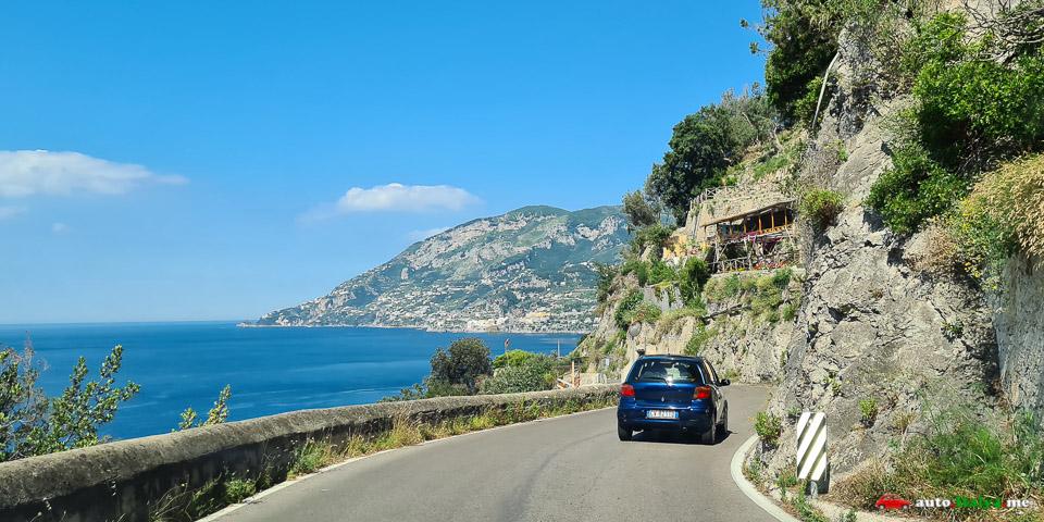 Дорога на Амальфитанском побережье Италии