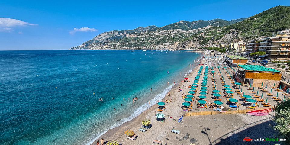 Пляж в Майори Амальфитанское побережье Италии