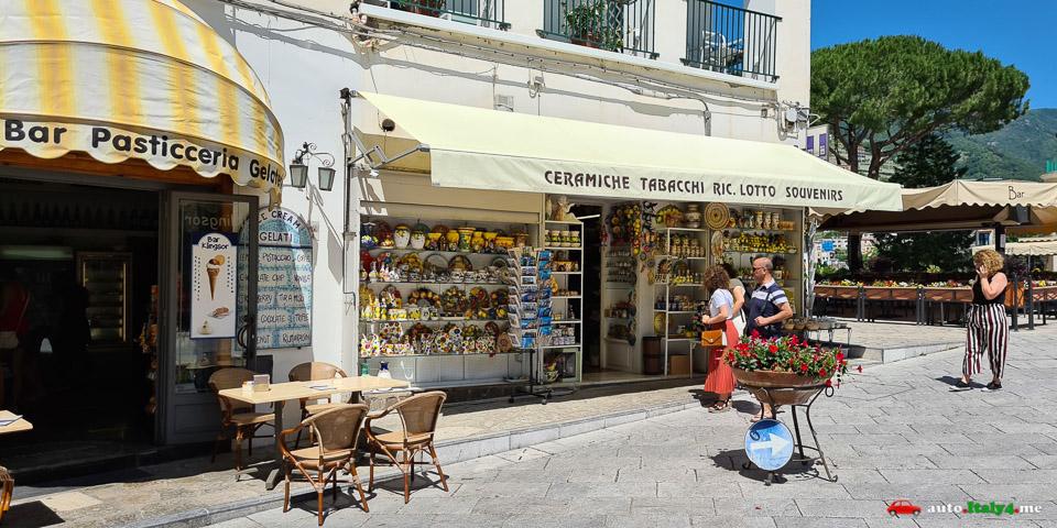Сувенирный магазин в Равелло