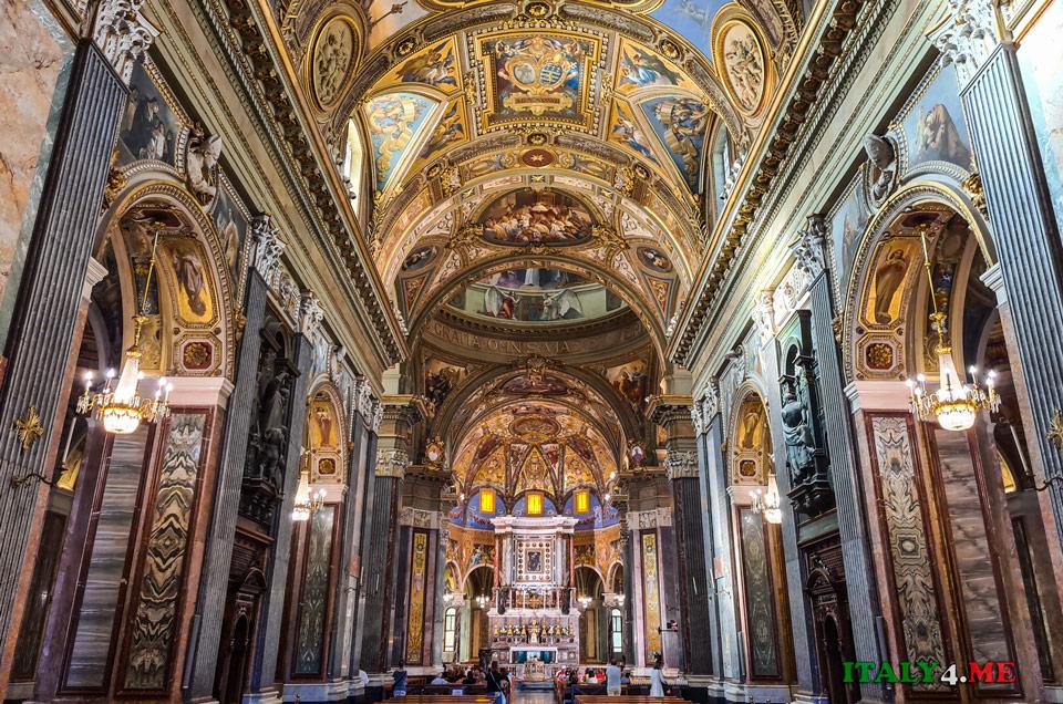 церковь Девы Марии Розария в Помпеях