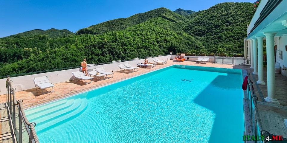 Бассейн в отеле Scapolatiello Кава-де-Тиррени